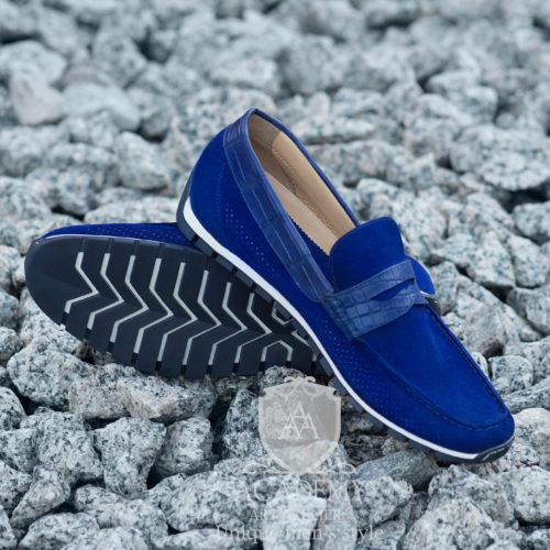 Замшевые ярко-синие мокасины с вставками из крокодиловой кожи Suitium M9943