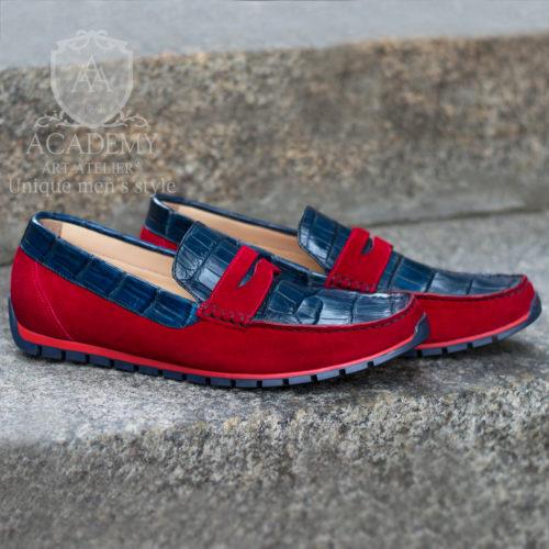 Мокасины из замши и крокодиловой кожи с комбинированием красного и синего цветов Suitium M9946